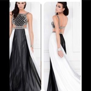 NWT {Lucci Lu} Elegant Prom DRess size 4 #8102